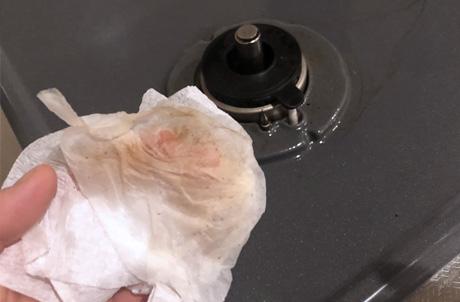 コンロ周りをキムワイプで拭いた後