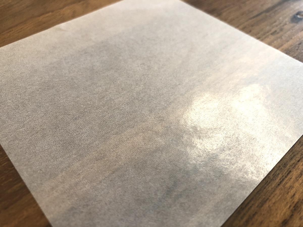 半透明で表面がツルツルの紙 パラフィン紙とは?